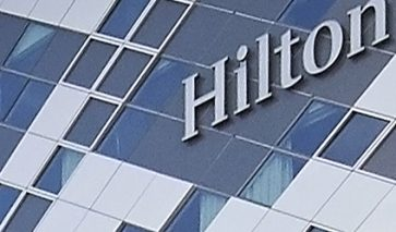 Composiet gevel Hilton Schiphol | DGMR