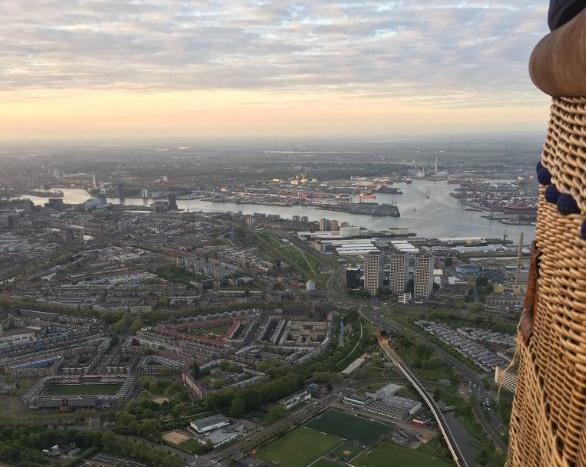 Ballonvaart boven Rotterdam met relaties | DGMR