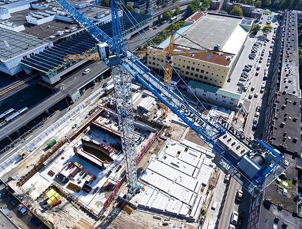 Luchtfoto van bouwwerkzaamheden aan Kunstenpand op Hart van Zuid Rotterdam